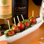 トマトとモッツァレラの串刺